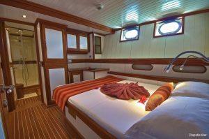 motor-sailing-yacht-30-4