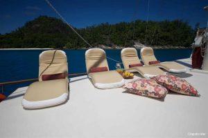 motor-sailing-yacht-30-8