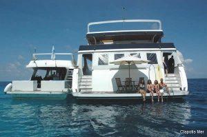 2Maldives 110 ft Luxurious Motor Yacht Transom