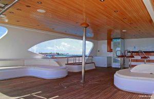 3Maldives 37 metre Deluxe Motor Yacht Outdoor Main Lounge