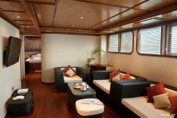 Maldives 28 m Luxury Motor Yacht Lounge OK