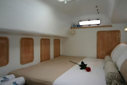 Maldives Catamaran 480 Double Bed Fore Cabin