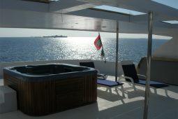 Maldives Luxury 33 metre motor yacht Jacuzzi