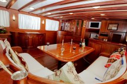 25 metre luxury ketch gulet Italy