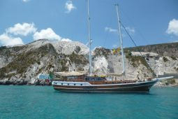 27 metre Turkish ketch gulet boat Italy