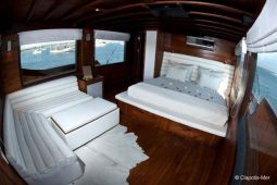 42 metre Luxury cruising yacht Indonesia
