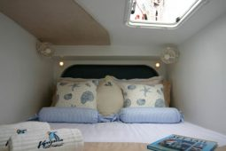 Maldives-Catamaran-480-Double-Bed-Aft-Cabin