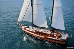 South-East-Asia-28-metre-ketch-gulet-deck-overview