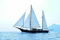 28 metre Luxury ketch yacht