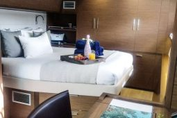 Caribbean Bahamas Lagoon 62 ft Sailing Catamaran OK queen suite