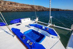 Galapagos Alumarine 23 metre sailing catamaran jacuzzi tub
